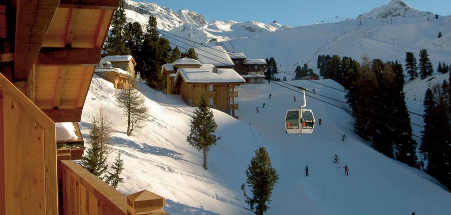 france_paradiski-ski-area_la-plagne_hotel_carline_ski_lift.jpg